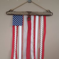 B2 - 01 - Antique Yoke Ribbon Flag