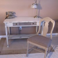 F104 - 06 - Desk and Chair